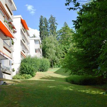 ***VERKAUFT***Baden-Baden Halbhöhenlage, sonnige 3-Zimmer Eigentumswohnung mit großem sonnigen Balkon  und Tiefgaragenstellplatz
