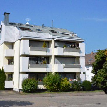 *Verkauft* Helle und geräumige 3 Zimmer Eigentumswohnung  mit 2 großen sonnigen Balkonen und PKW Stellplatz in Gaggenau