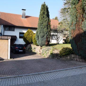***VERKAUFT***Freistehendes 1-Familienhaus mit Garten, Einliegerwohnung  und Doppelgarage in bester Wohnlage in Sinzheim Vormberg