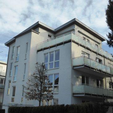 Baden-Baden, sonnige  4-Zimmer Wohnung mit großem Balkon und Tiefgarage in ruhiger Innenstadtlage