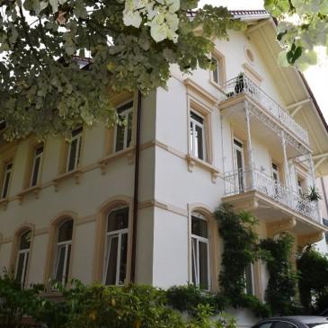 *nicht mehr verfügbar* Großzügige Etagenwohnung in herrschaftlichem Anwesen an der Lichtentaler Allee